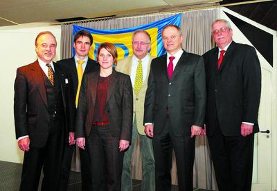 Wiesloch FDP Neujahrsempfang 2010. v.l. Robert Blum (FDP Dielheim), FPD Vorsitzender Dr. Joerg Richter, 2. FDP Vorsitzende Nina-Fleur Klingler, Vorsitzender des Kreisverbandes Dr. Gunter Zimmermann, Vorsitzender der Heidelberger Druckmaschinen Bernhard Schreier und Bernd Lang.